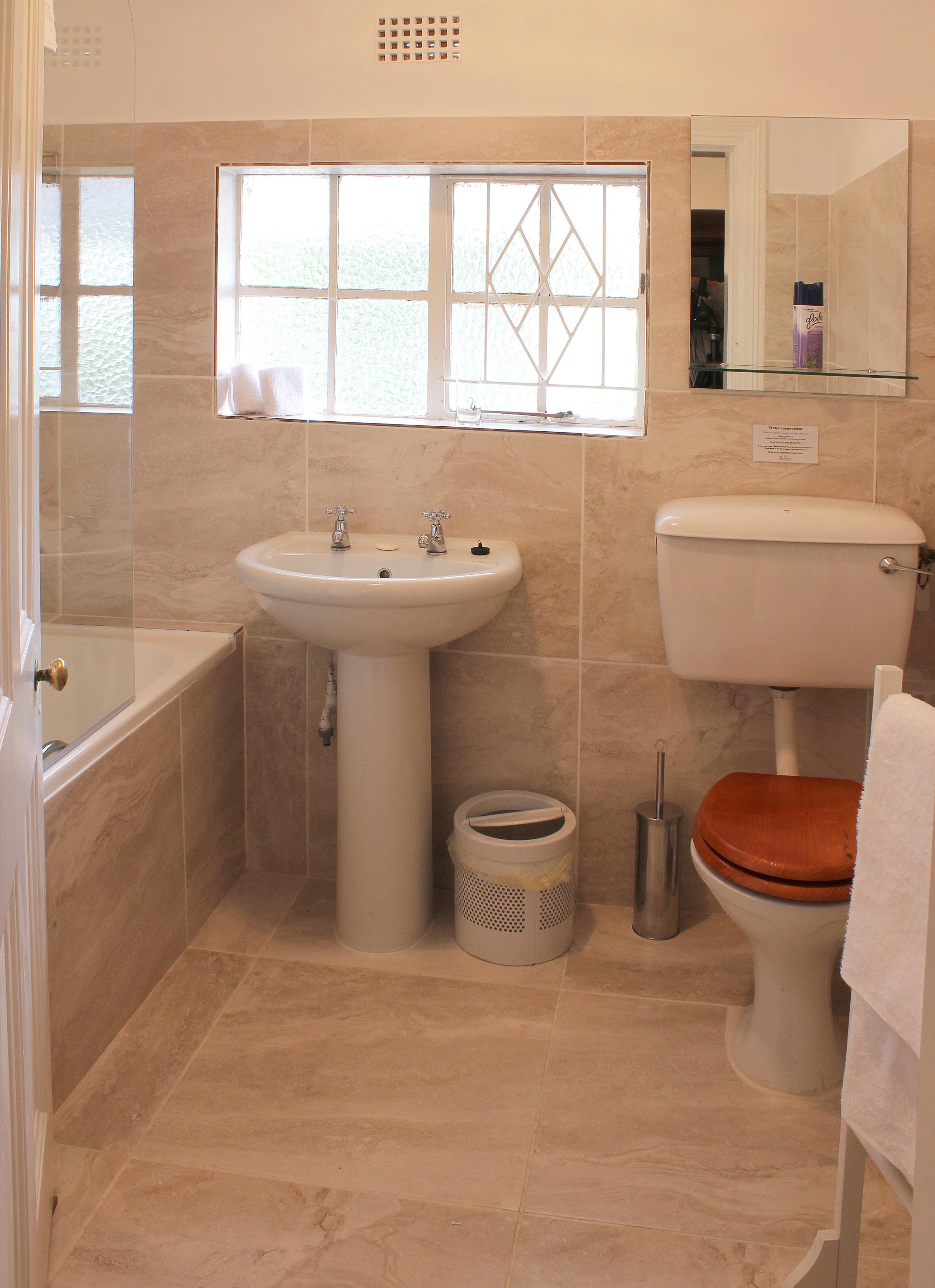 26 Shower over bath tub room - Rosedene